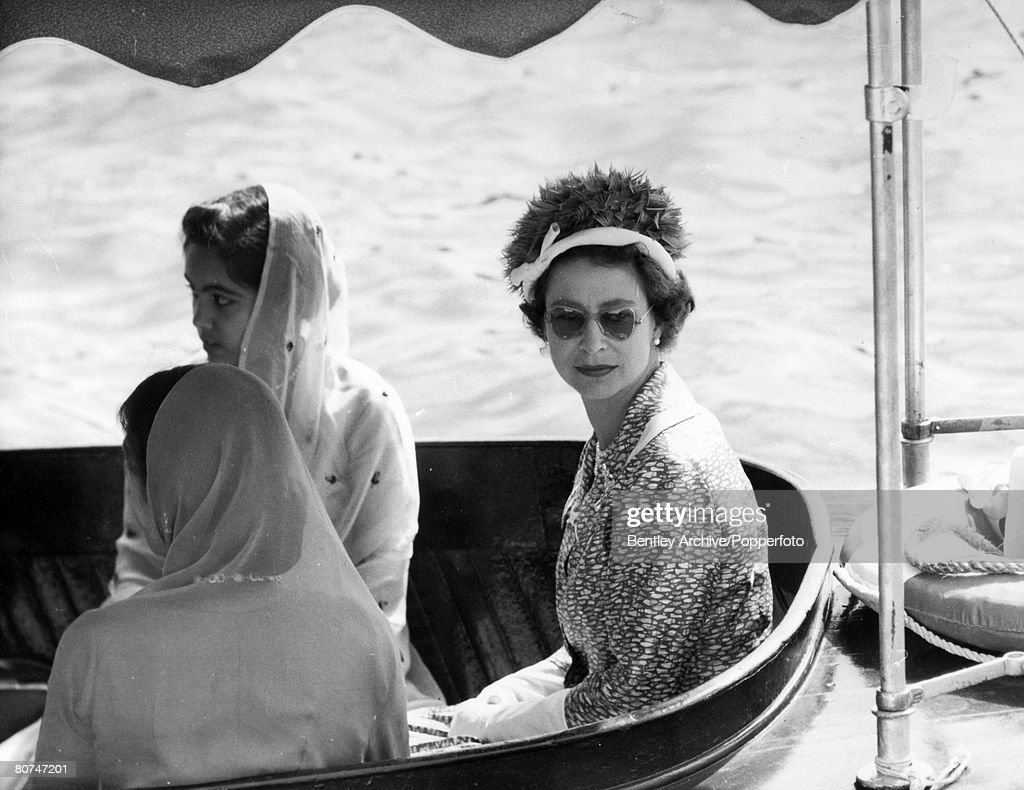 British Royalty Tour of India. Udaipur. pic: 30th January 1961. HM. Queen Elizabeth pictured on a motor launch that took her to the Jag Mandir water palace at Udaipur. : News Photo