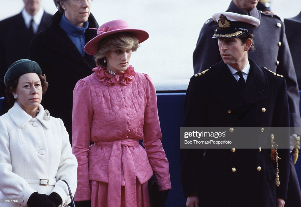 British Royalty. Westminster Pier, London, England. 16th November 1982. Prince Charles ( right), Princess Diana & Princess Margaret ( left) ready to greet Queen Beatrix and Prince Claus of the Netherlands : News Photo