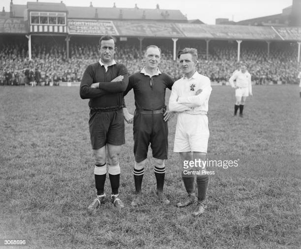 British rugby league player Jonty Parkin while captaining England against New Zealand at Wigan with New Zealand's Bert Avery and the referee R...