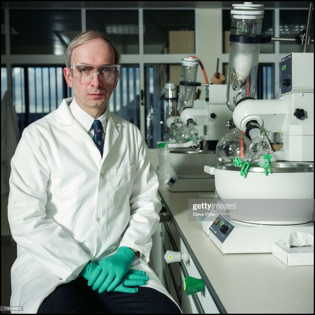 British scientist Ian Osterloh at his research centre in Sandwich, 19th November 1999. Osterloh was instrumental in the development of the drug Viagra.