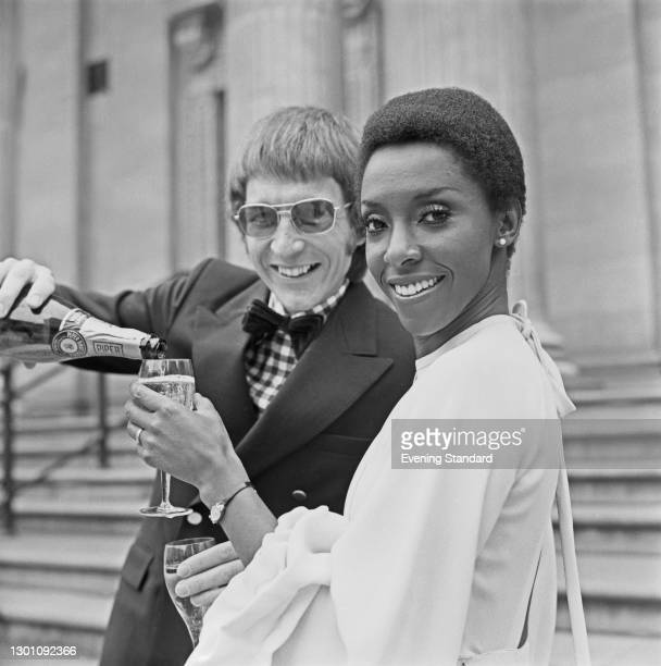 British singer and actress Elaine Delmar marries Ian Lawes, UK, 28th July 1973.