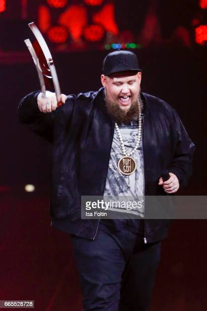 British singer and award winner Rory Graham alias Rag'n'Bone Man during the Echo award show on April 6 2017 in Berlin Germany