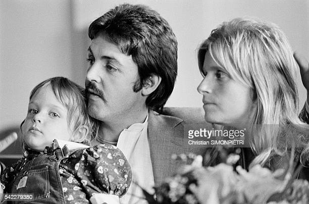 British singer and songwriter Paul McCartney is in Venice accompanied by his wife American photographer Linda Eastman and their daughter Stella to...