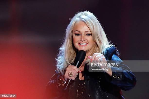 British singer Bonnie Tyler during the tv show 'Willkommen bei Carmen Nebel' at Velodrom on October 1 2016 in Berlin Germany