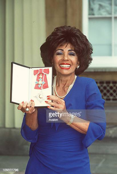 British Singer Dame Shirley Bassey Dbe Outside Buckingham Palace after receiving ber DBE