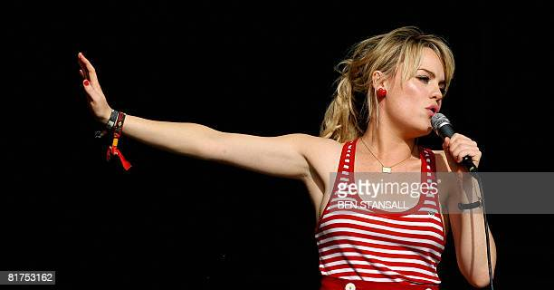 British singer Duffy performs at the Glastonbury Festival at Worthy Farm, in Glastonbury on June 28, 2008. AFP PHOTO/BEN STANSALL