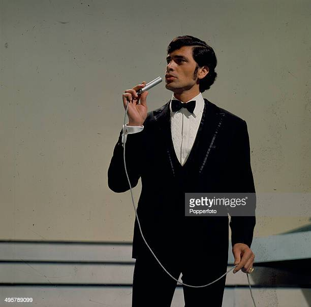 British singer Engelbert Humperdinck performs on the television series 'The Bruce Forsyth Show' in 1968
