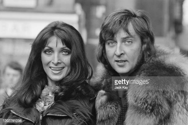 British singer Les Humphries and his wife Croatian singer Dunja Rajter 1972 Humphries is the leader of Hamburgbased band the Les Humphries Singers