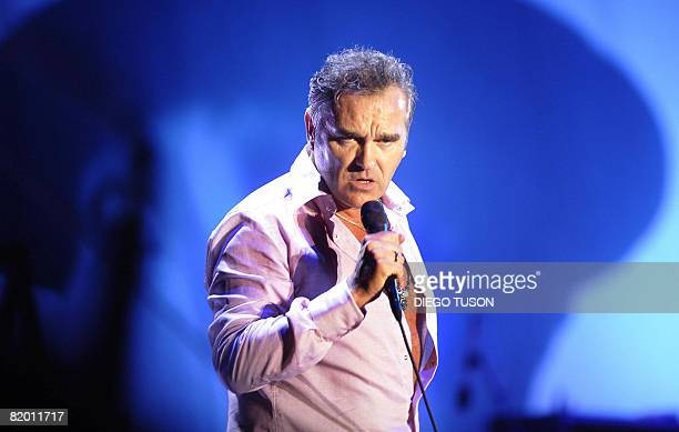 British singer Morrissey performs during the international Festival of Beincasim on July 20 2008 AFP PHOTO/DIEGO TUSON
