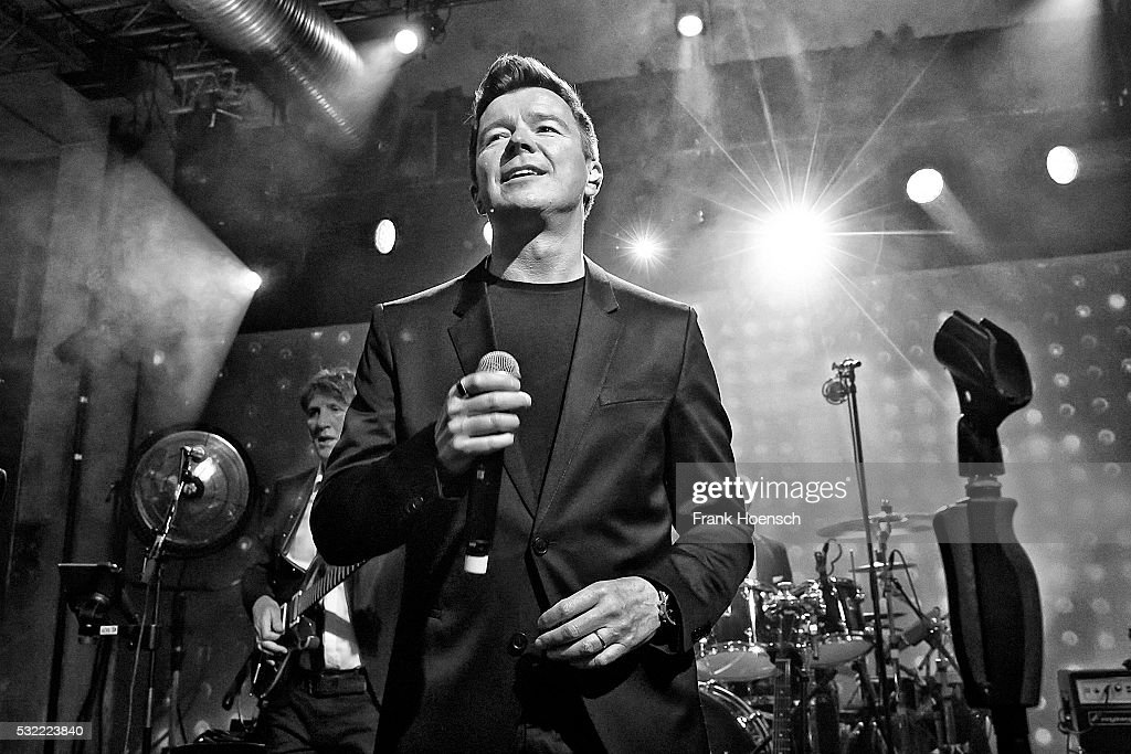 Rick Astley Performs In Berlin : News Photo