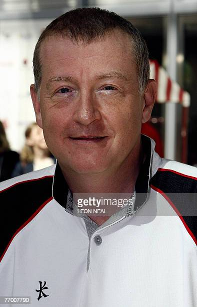British snooker player Steve Davis poses for photographs in the offices of BGC partners in Canary Wharf in London 11 September 2007 The company...