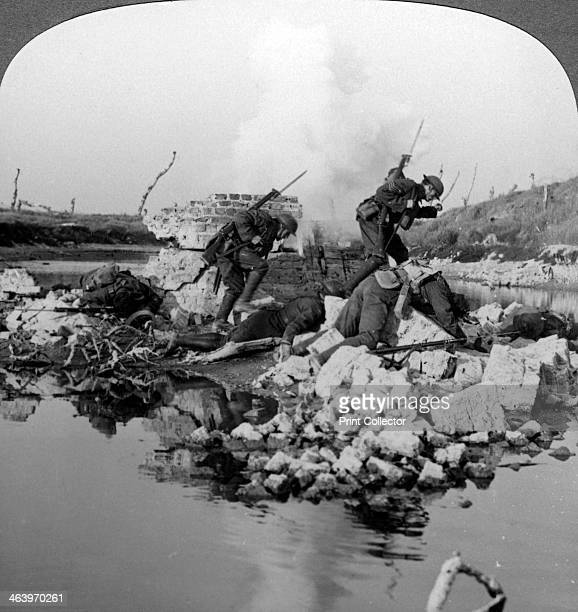 British soldiers in action at the Crozat Canal France World War I 19141918 Our fearless men fighting against great odds mine the bridges and retire...