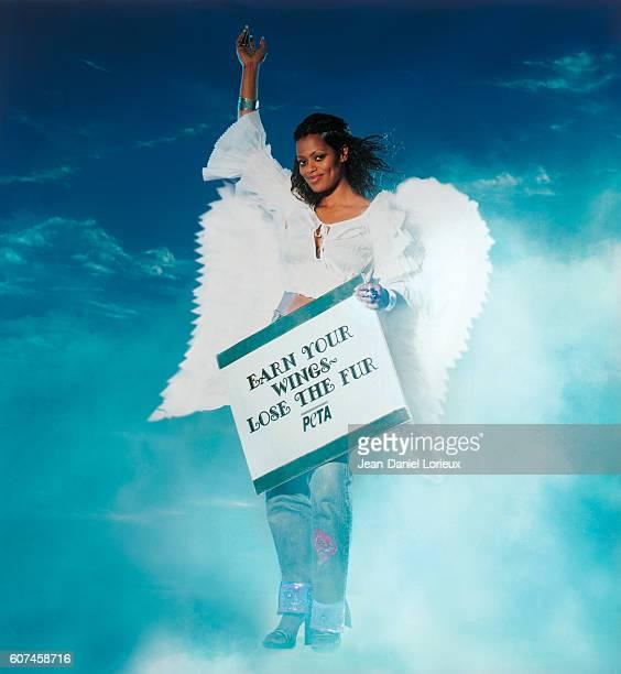 British Soul singer Des'ree poses as angelfor PETA association
