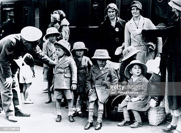 British survivors of the Quetta earthquake arrrive in London 1935 British survivors of the Quetta earthquake in India on arrival at Waterloo Station...