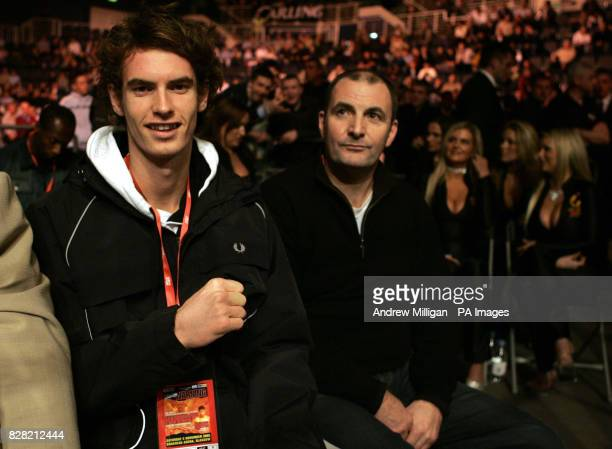 British tennis player Andy Murray watches the boxing with his dad Willie at the Braehead Arena Glasgow Saturday November 5 2005 PRESS ASSOCIATION...