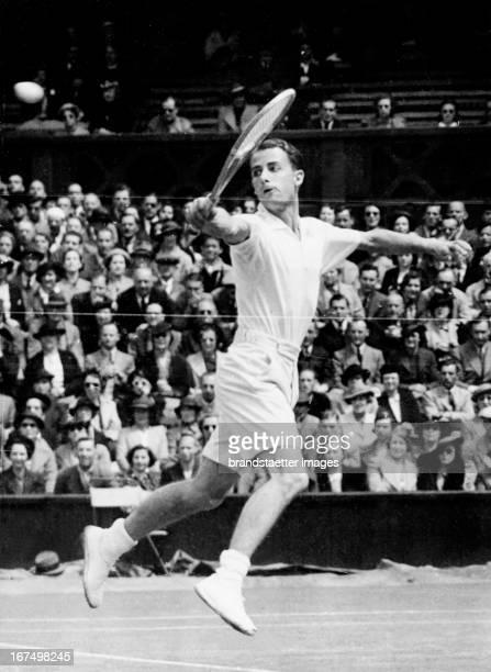 British tennis player Henry Wilfred Bunny Austin in a preliminary match at Wimbledon June 29th 1938 Photograph Der britische Tennisspieler Henry...