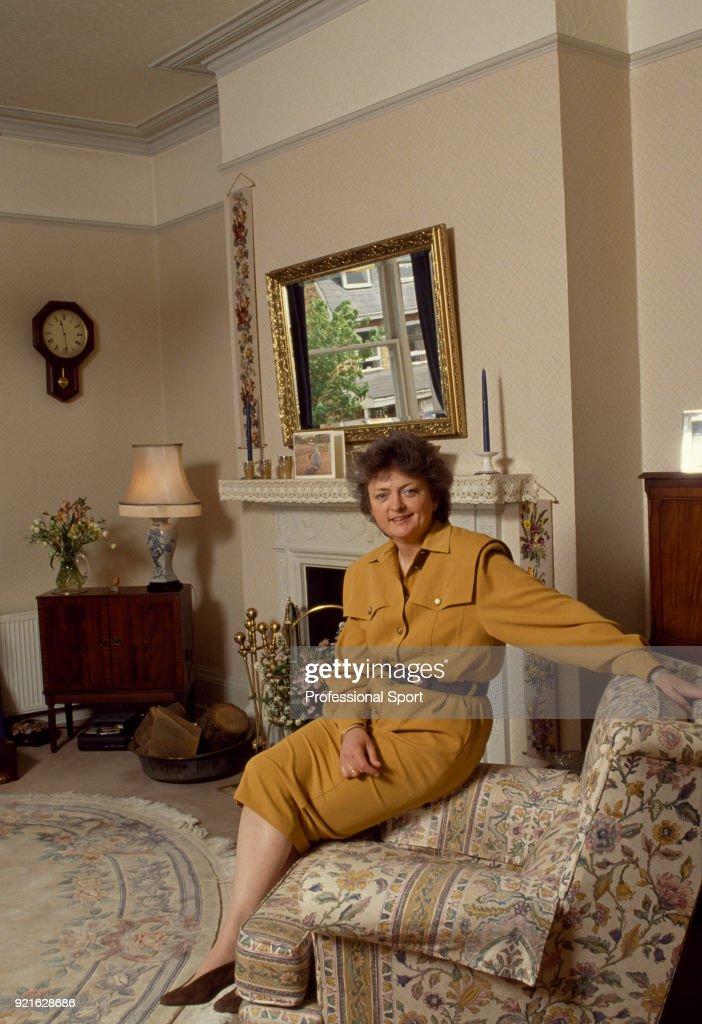 Sue Mappin At Home : Foto di attualità