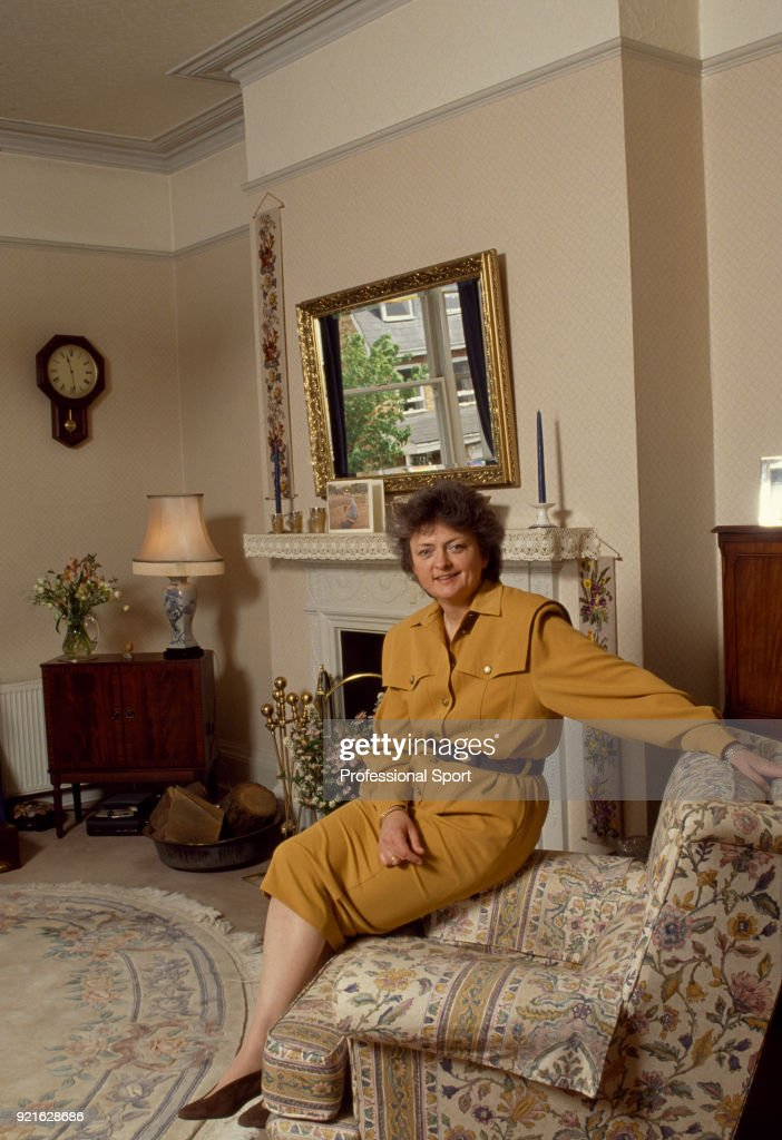 British tennis player Sue Mappin at home, circa 1985.
