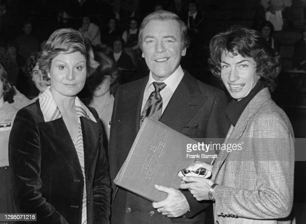 British tennis player Virginia Wade stands with This Is Your Life television host Eamonn Andrews and newscaster Angela Rippon on 7th December 1977 at...