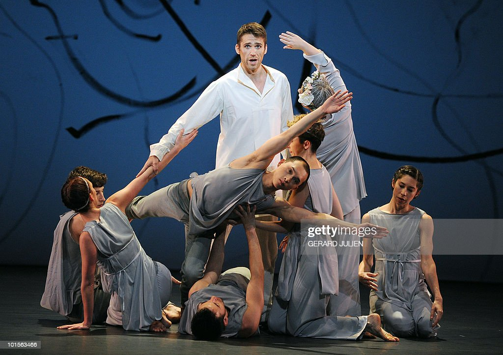 British tenor Ed Lyon (C) as Pygmalion and Trisha Brown Dance Company dancers perform, on June 2, 2010 in Aix-en-Provence, southern France in the Jean-Philippe Rameau's opera 'Pygmalion' directed by US choreographer Trisha Brown, during a rehearsal at the Grand Theatre de Provence, as part of the 62nd Lyrical festival.