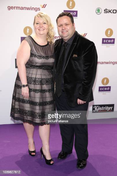 British tenor Paul Potts and his wife JulieAnn arrive to the Echo Music Awards in Berlin Germany 27 March 2014 It is the 23rd Echo Music Awards for...