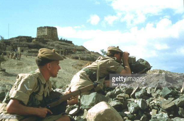 British troops keep watch over Aden Original Publication Picture Post 9105 RAF And Cameron Highlanders In Aden unpub