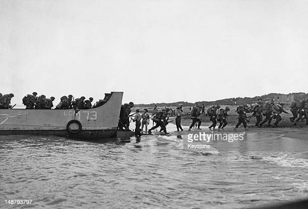 British troops landing near Algiers during Operation Torch November 1942 Operation Torch was the BritishAmerican invasion of Vichyheld French North...