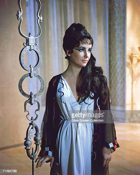 British-born actress Elizabeth Taylor in the title role of 'Cleopatra', directed by Joseph L. Mankiewicz, 1963.