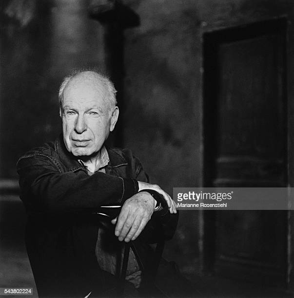 Britishborn theatre director Peter Brook Known for his innovative experimental style Brook started out with what later became the Royal Shakespeare...