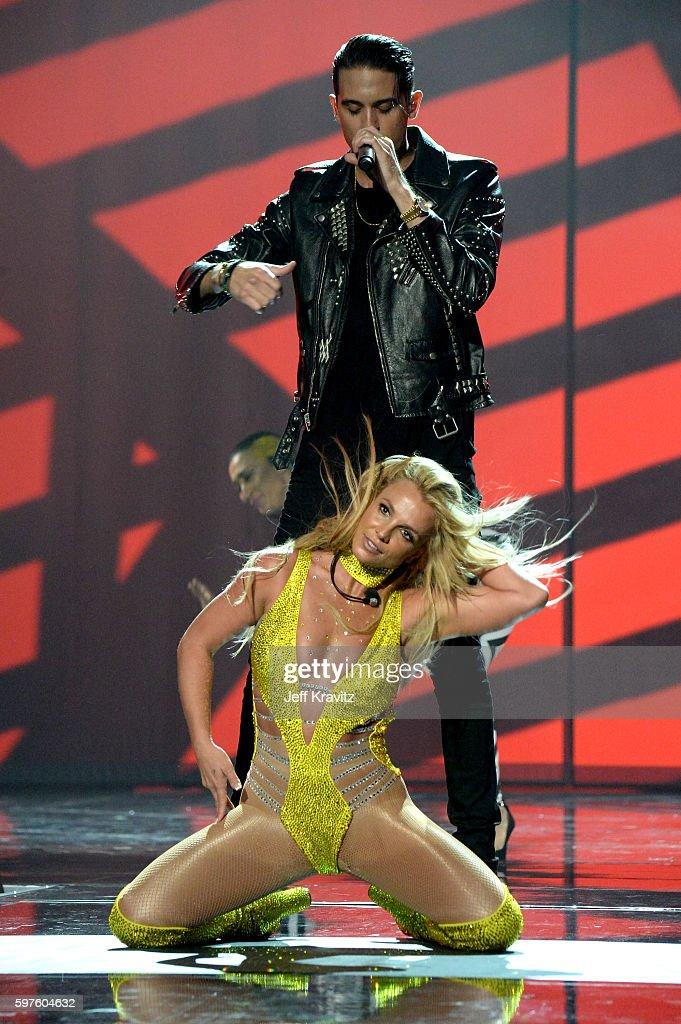 2016 MTV Video Music Awards - Show : News Photo