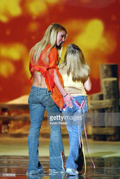Britney Spears and her sister Jamie Lynn Spears at 'The Teen Choice Awards 2002' at the Universal Amphitheatre in Los Angeles Ca Sunday August 4 2002...