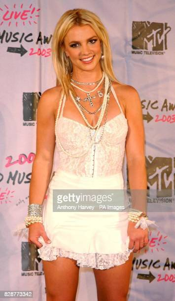 Britney Spears arriving for the MTV Video Music Awards at Radio City Music Hall in New York, USA. 04/01/04: Britney Spears who has married a...