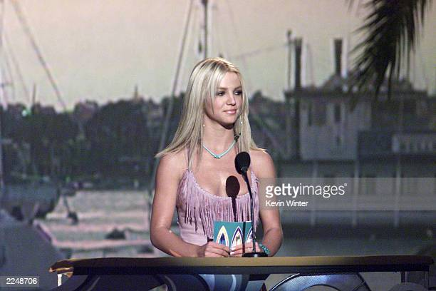 Britney Spears at the 2000 Teen Choice Awards 8/6/2000 Photo Kevin Winter/Getty Images