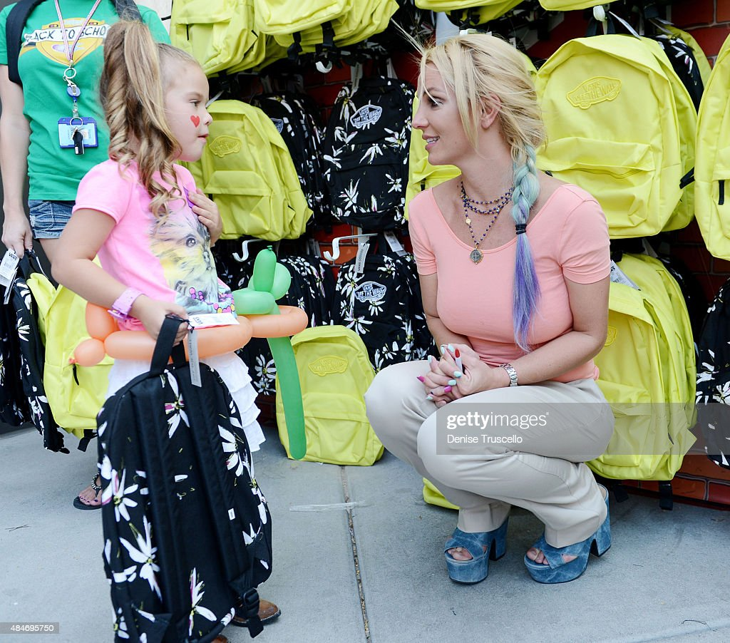 Britney Spears Attends A Back-To-School Event Benefiting The Nevada Childhood Cancer Foundation at the Zappos Campus in Downtown Las Vegas : News Photo