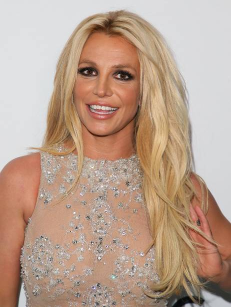 britney-spears-attends-the-4th-hollywood-beauty-awards-on-february-25-picture-id924283724?k=6&m=924283724&s=612x612&w=0&h=rbVyWYCQ5rM3GgwNK7a285ML_7But44PpIzsXXkN3yo=