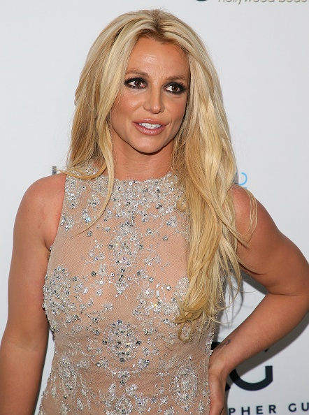 britney-spears-attends-the-4th-hollywood-beauty-awards-on-february-25-picture-id924283752?k=6&m=924283752&s=594x594&w=0&h=vvHrvg6i2Jzko0-jJJIBnQesPOD4danXaRLRs9JNZ2c=