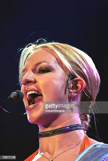Britney Spears in concert Milan 10/24/00 Italy