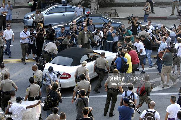Britney Spears leaves the Stanley Mosk Courthouse after a hearing regarding her ongoing child custody case on October 26, 2007 in Los Angeles...