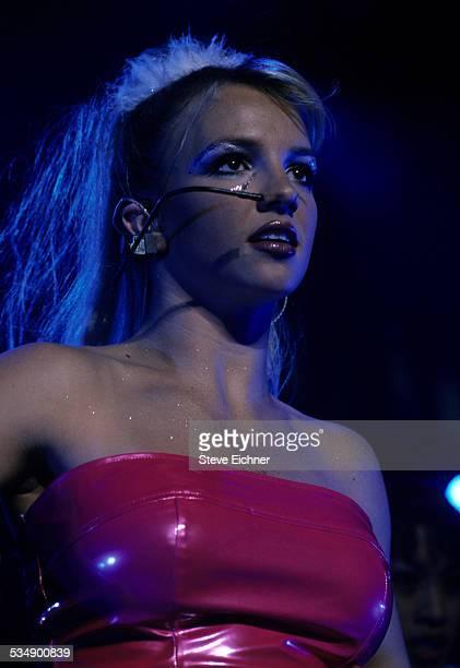Britney Spears performs at Hammerstein Ballroom New York July 7 1999