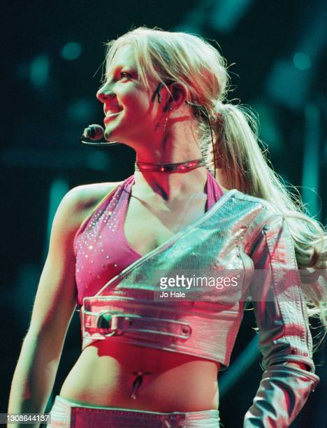 Britney Spears performs on stage at Wembley Arena on 10th October, 2000 in London, England.