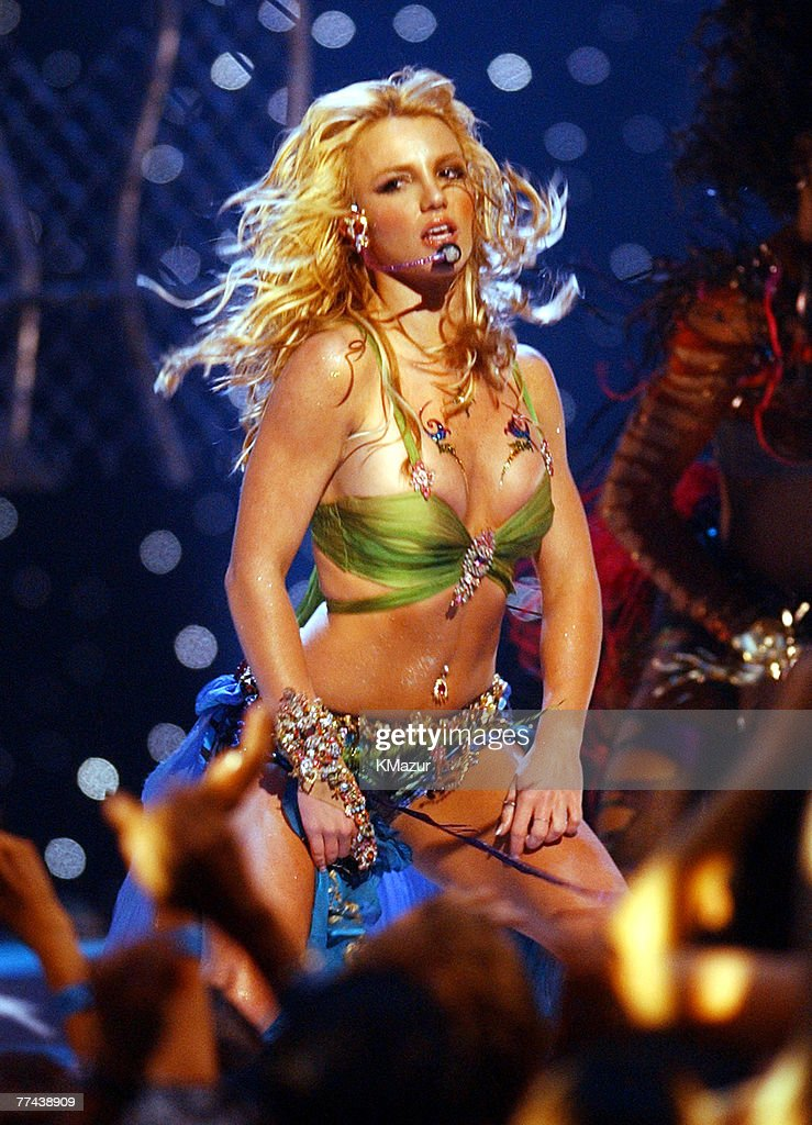 2001 MTV Video Music Awards - Show : News Photo