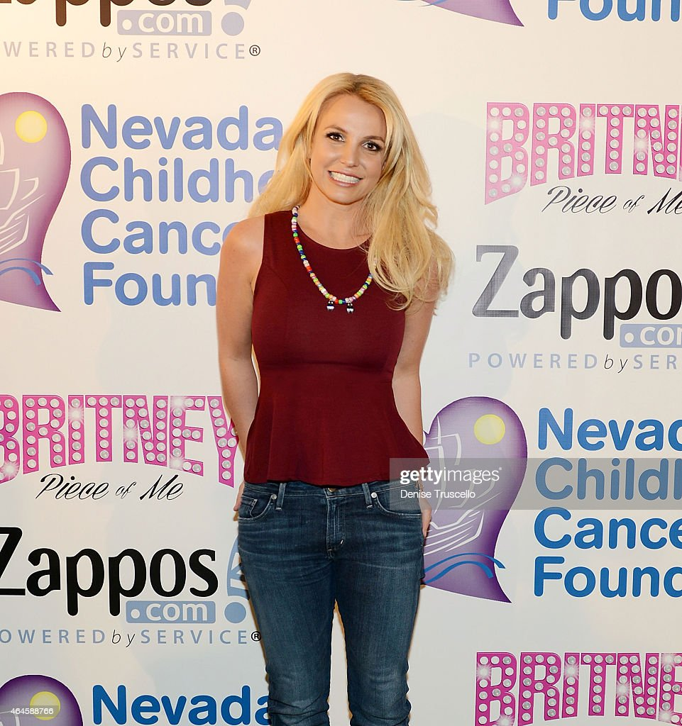 Britney Spears Visits The Zappos.com Campus in Downtown Las Vegas To Celebrate Her Partnership With Nevada Childhood Cancer Foundation (NCCF) And Zappos : News Photo