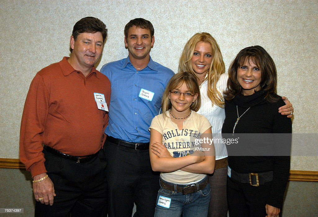 Britney Spears and Family Team Up with Summit Hospital for Cancer Awarness Fair Sunday in Baton Rouge : ニュース写真