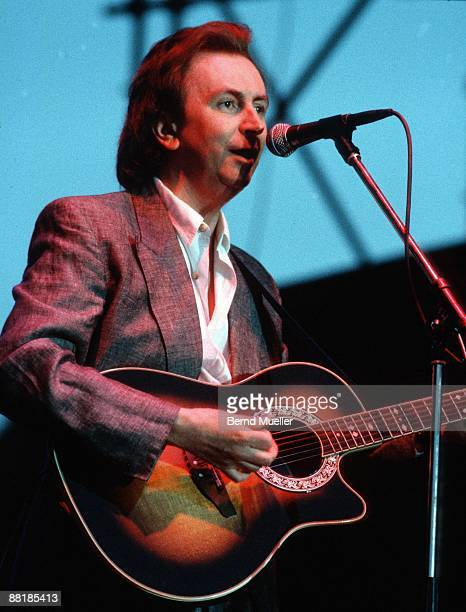 Britsh singer Al Stewart performs on stage at the Anti WAAhnsinns Festival held in Burglengenfeld Germany in July 1989
