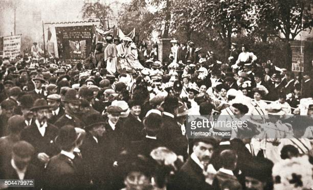 Britsh suffragette Emmeline Pethick-Lawrence's release from prison, 17 April 1909. The procession in her honour of her release marched from Marble...