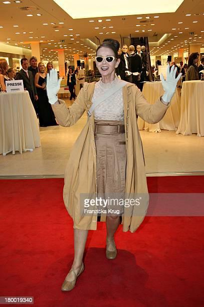 Britt Kanja Bei Der Eröffnung Des AppelrathCüpper Modehaus In Berlin Auf Der Tauenzienstrasse Am 050906