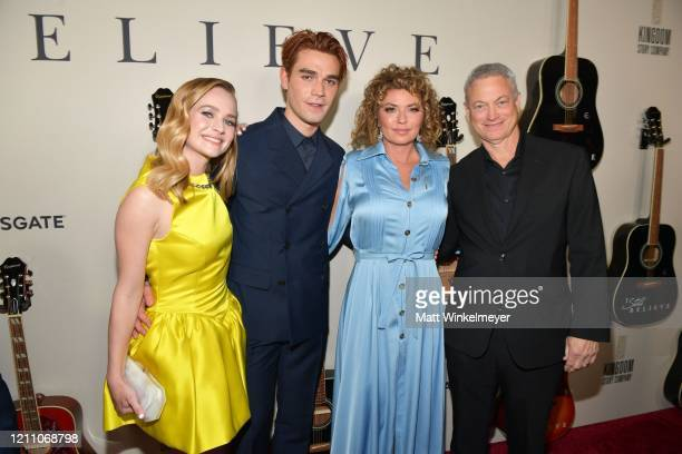 Britt Robertson KJ Apa Shania Twain and Gary Sinise attend the premiere of Lionsgate's I Still Believe at ArcLight Hollywood on March 07 2020 in...