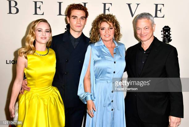 Britt Robertson KJ Apa Shania Twain and Gary Sinise attends the Premiere Of Lionsgate's I Still Believe at ArcLight Hollywood on March 07 2020 in...