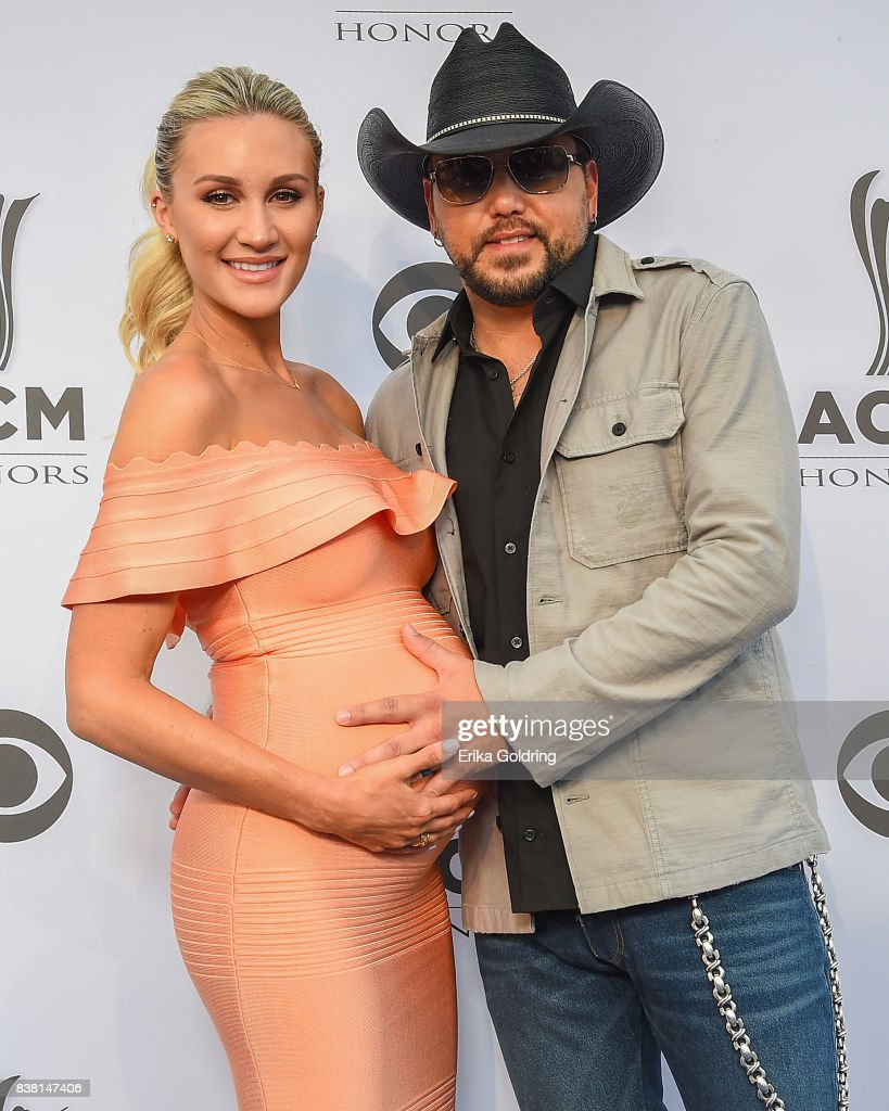Brittany Kerr (L) and Jason Aldean attend the 11th Annual ACM Honors at the Ryman Auditorium on August 23, 2017 in Nashville, Tennessee.