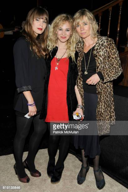 Brittany Lee Eustis Juno Temple and Amanda Temple attend CHANEL and CHARLES FINCH PreOscar Dinner at Madeo Restaurant on March 6 2010 in Beverly...